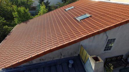 Inspection d'une couverture de toit en tuiles