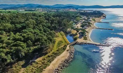Photgraphie aérienne par drone du camping de La Londe-les-Maures, Var