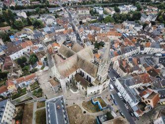 Photographie aérienne par drone de la Cathedrale Notre-Dame d'Etampes